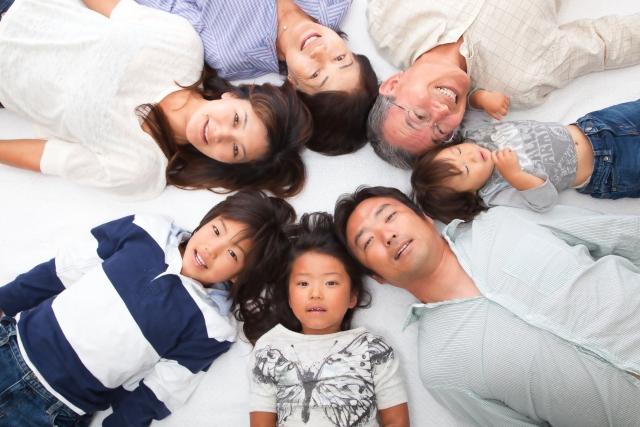 ワイモバイルの家族割は同居していなくても9回線まで割引が適応されます。
